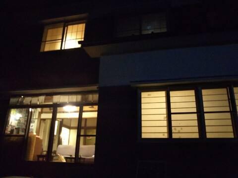 昼間は民家カフェ、夜はお部屋としてご提供Part 2(2F) 。