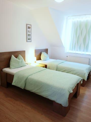 Room(1)