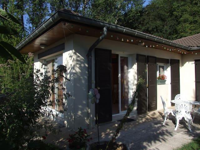 Studio indépendant, calme, jardin. - Le Champ-prés-Froges - House