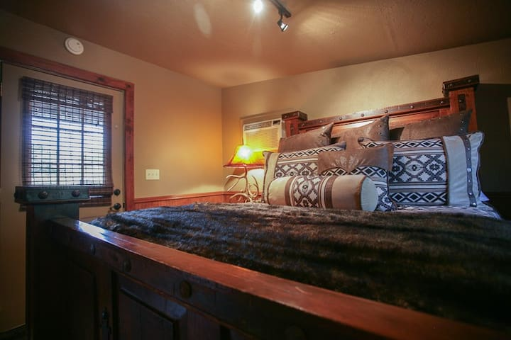 Guest House at DropTine Ranch
