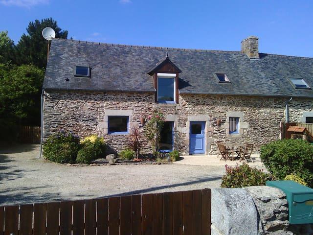 Longère bretonne, campagne proche mer - Saint-Donan - Ev