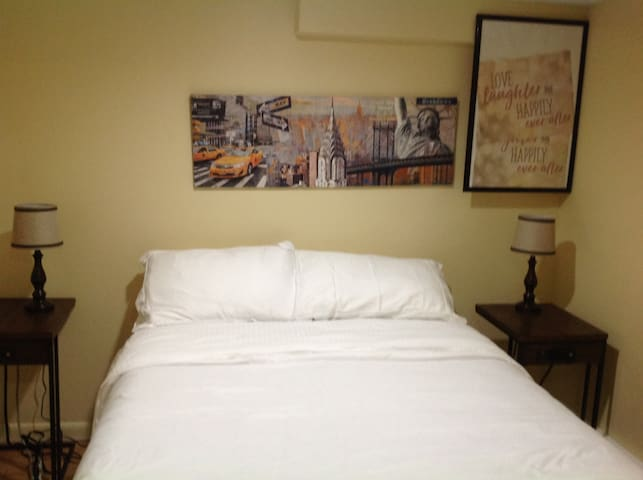 $79 one BR APT close to Major Airports & Manhattan