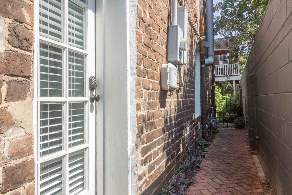 Private entrance with electronic keypad access