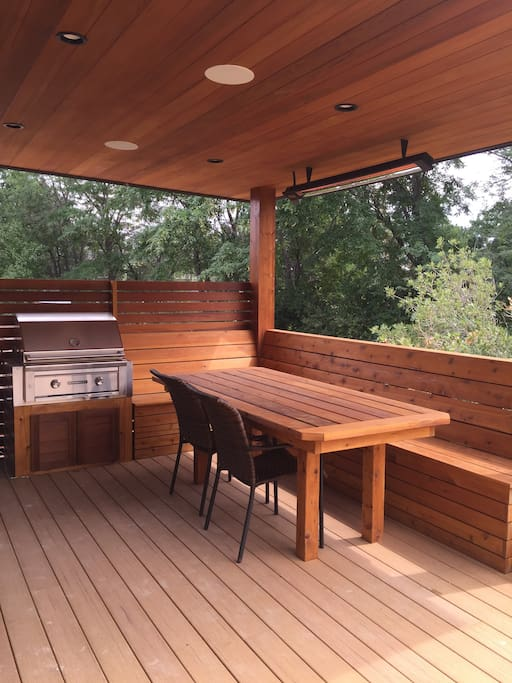 covered and heated outdoor dining