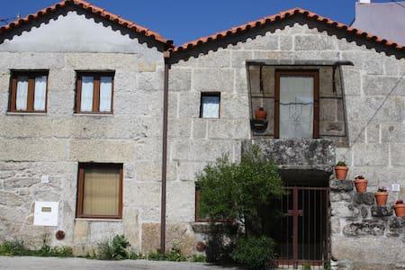Casa de pedra, o charme do rústico