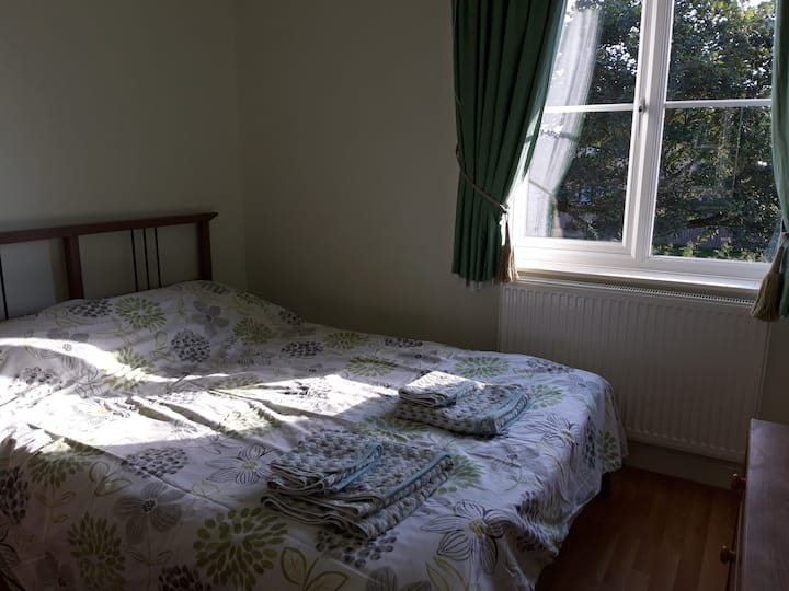 2 Bedrooms in Tring, Hertfordshire