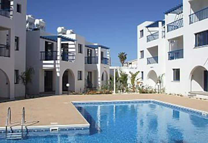 wifi, aircon , sat  tv, pool, central location