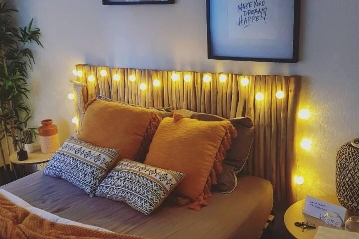 Chambre cosy, proche du centre ville (+petit déj)