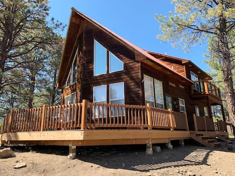 Cozy Cabin with Modern Amenities