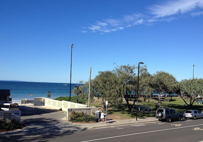 Absolute Beachfront with Ocean View - Berolina - Kings Beach - Apartment
