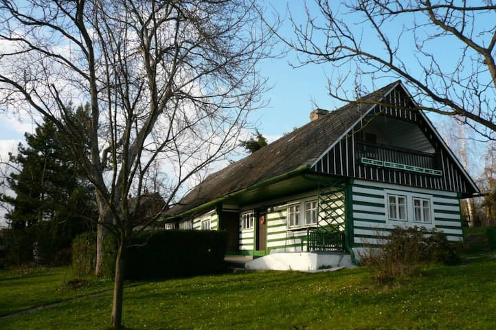 Timbered cottage in Bohemian Paradise - Troskovice - Hus