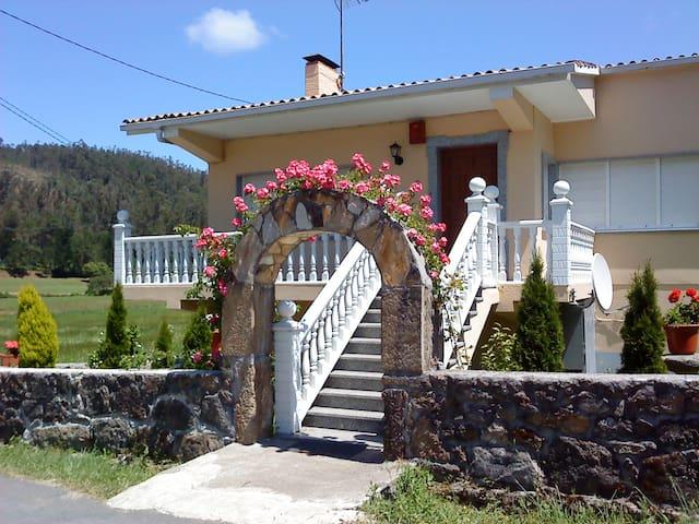 casa chalet cerca de playa de lires - Cee - Apartamento