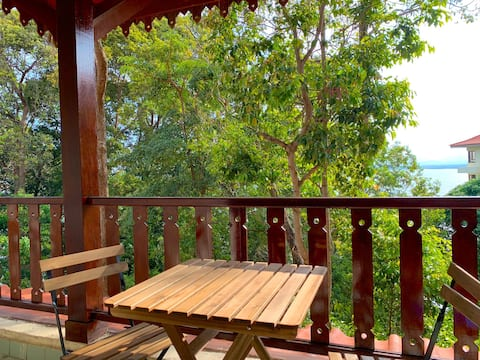 Luxury 2BR w Stunning view exclusive private beach