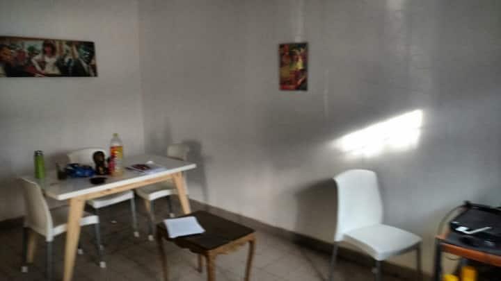 Alquiler Trelew habitación privada  con cucheta.