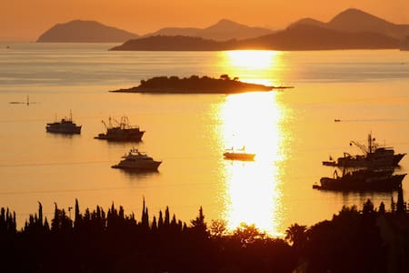 AMAZING VIEW FROM APARTMENT ANA - Cavtat - Bed & Breakfast