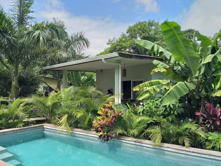 Mangos Lodge, Bungalow #2