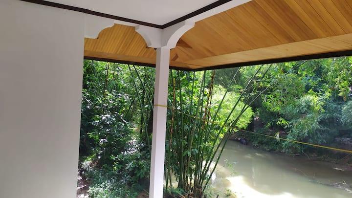 Sugi House pnginapn keluarga Poros Rantepao-Makale