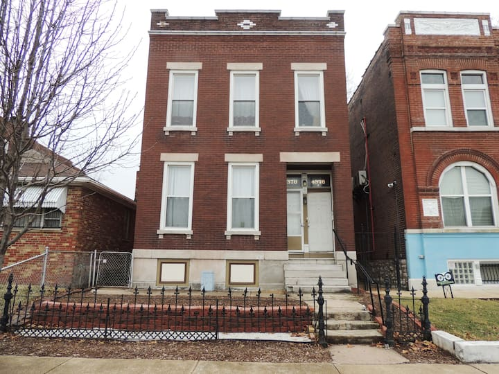 CWE Metro/Bus, Walk to Forest Park Loft & couch 1L