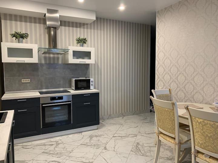 Новая 2-х комнатная квартира с евро-ремонтом!