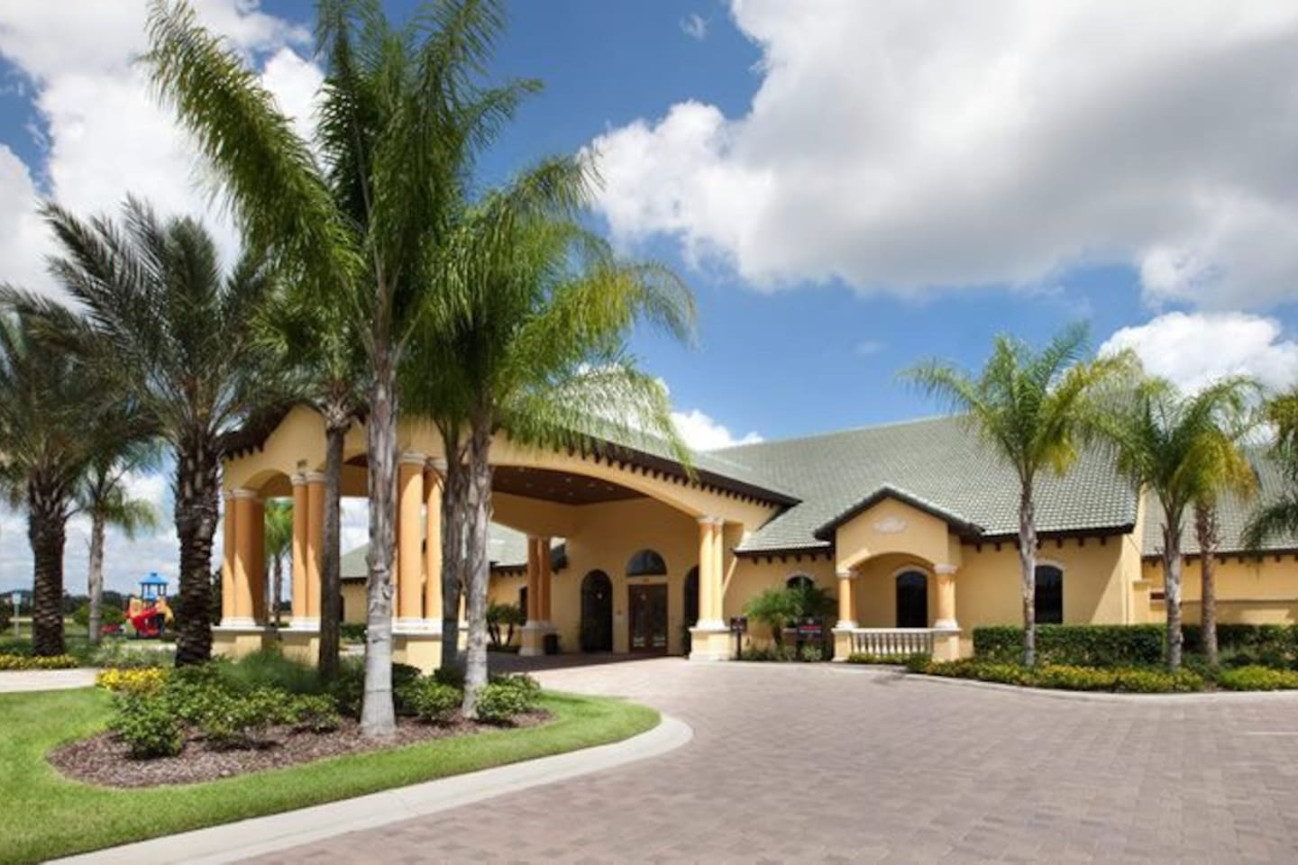 Clubhouse at Paradise Palms