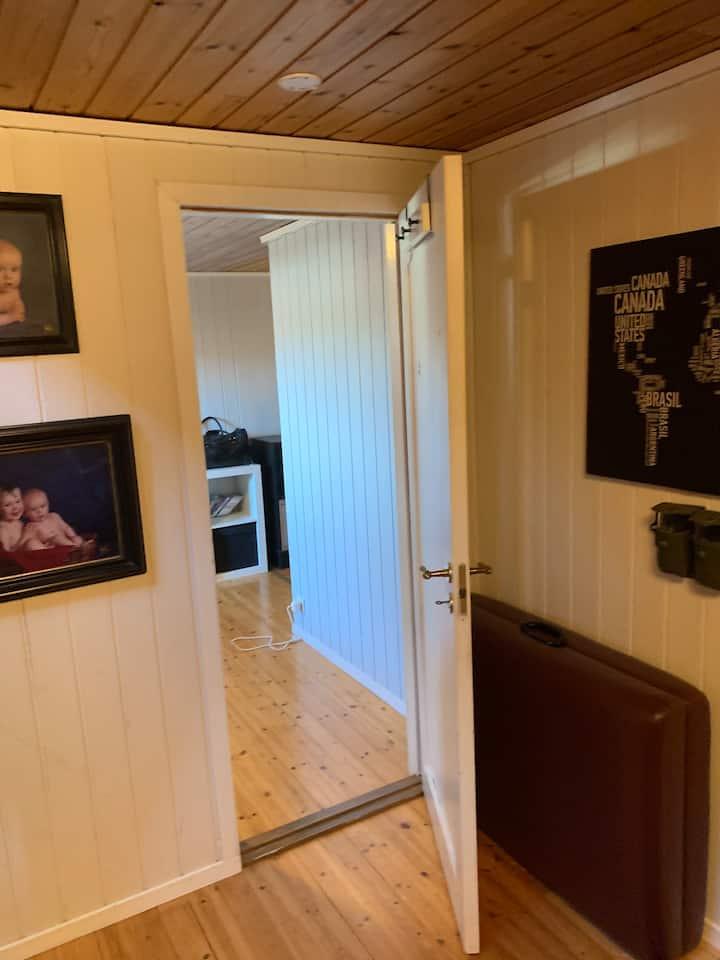Nice and spacious room near Stavanger center