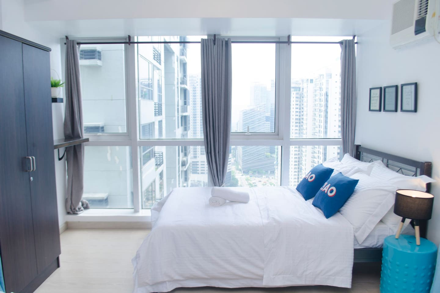 Double bed  with beautiful city view