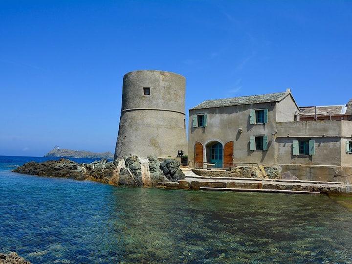 Maison idéalement situé sur la marina de Tollare