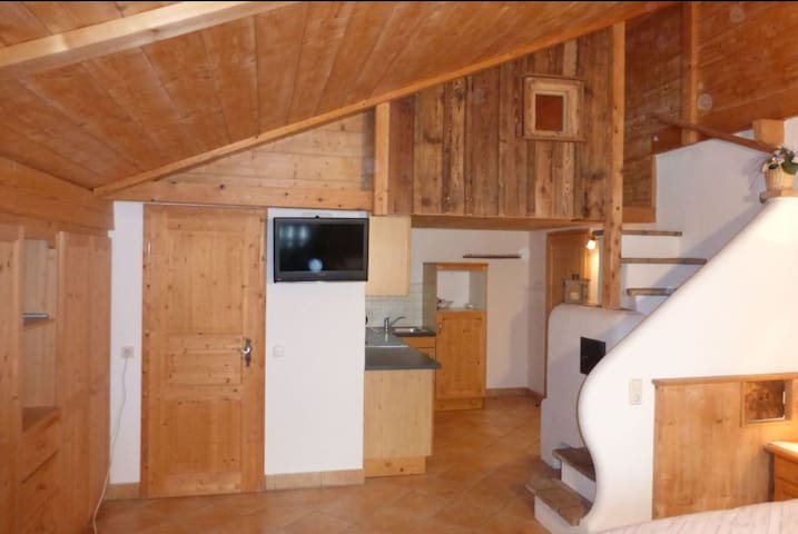 """Cosy Apartment """"Seekaralm"""" with Balcony, Garden & Wi-Fi; Parking Available, Pets Allowed"""