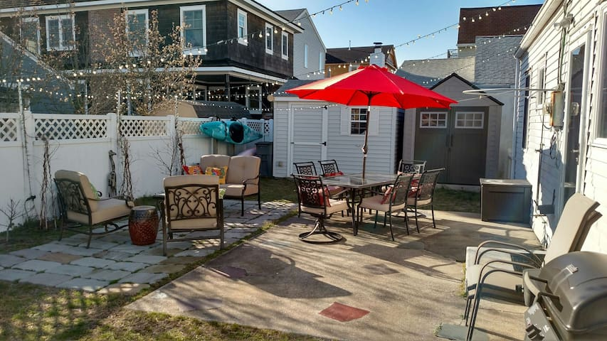Classic 4 BR Longport Home near beach and bay