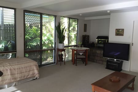 Studio Apartment - Gordon Park