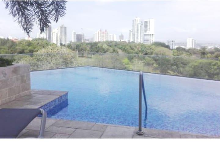 PANAMA Hermoso y amplio apartamento!