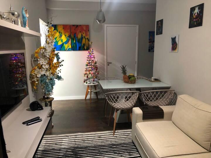 Apartamento novo e decorado para se sentir em casa