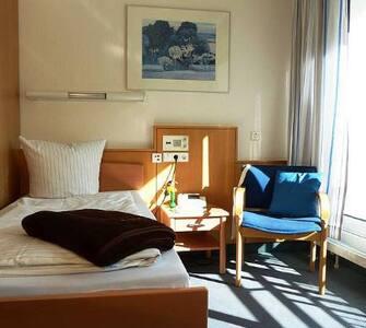 3-room apartment with balcony - กรุงเบอร์ลิน - (ไม่ทราบ)