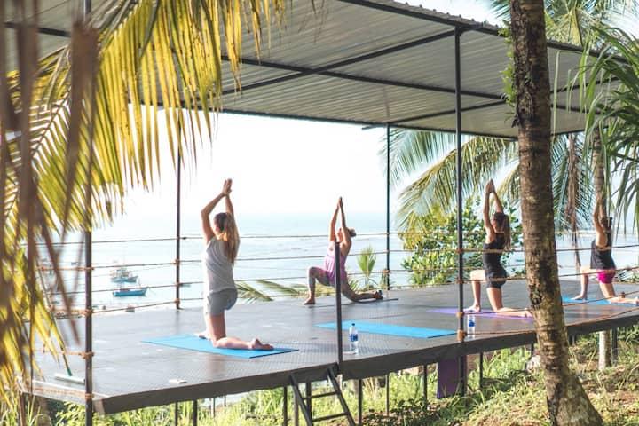 Basecamp Weligama (Yoga inclusief!)