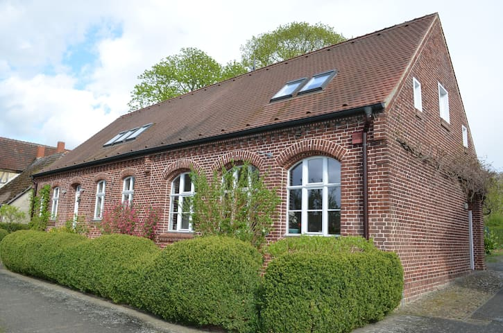 Gemütliche Ferienwohnung - Neustadt (Dosse) - Apartamento