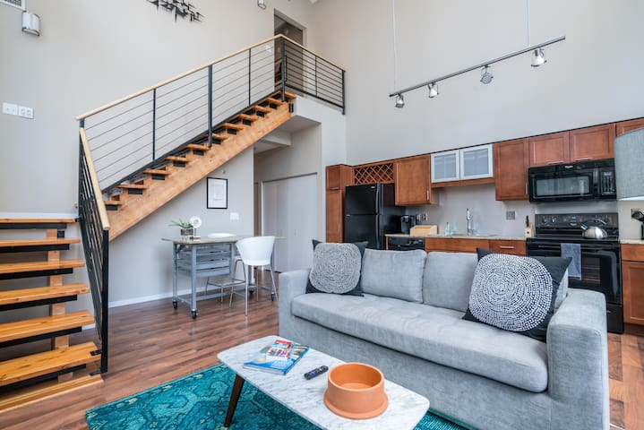 Unique Loft in the City of Lakes