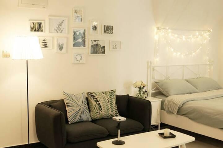 【朝夕·贰】南门外城墙下浪漫舒适的现代公寓(含家庭影院哦)