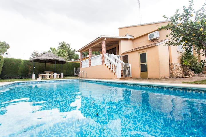 Great Villa Valencia pool-families - L'eliana