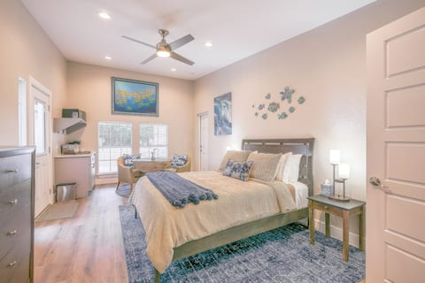 Deep Blue Suite in Old Town