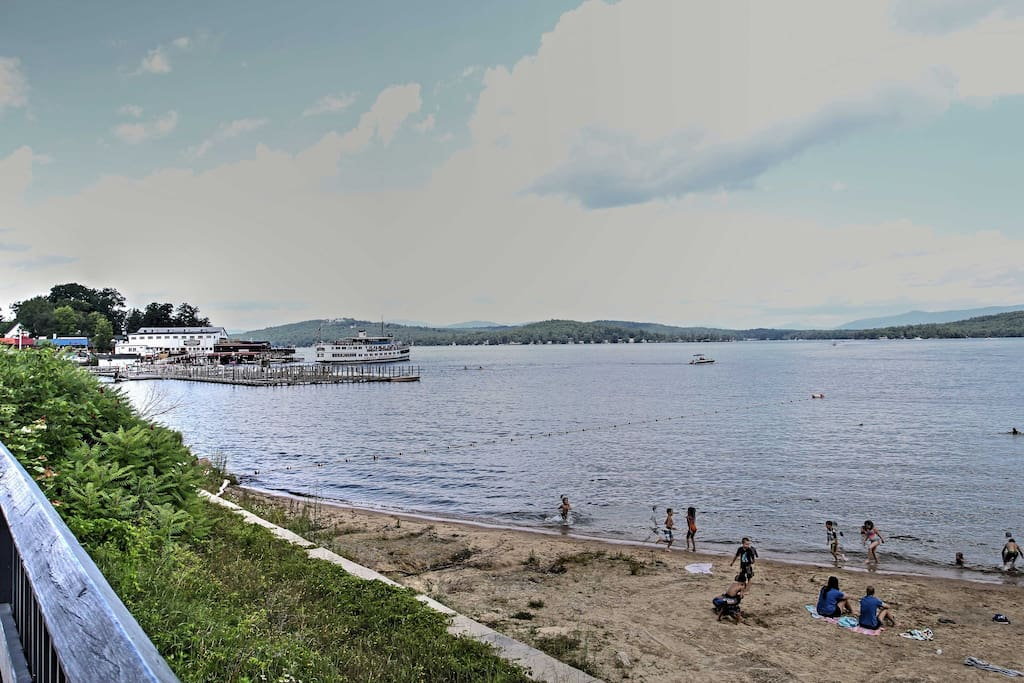 Beautiful Lake Winnipesaukee is only a 6 minute-walk from the house!