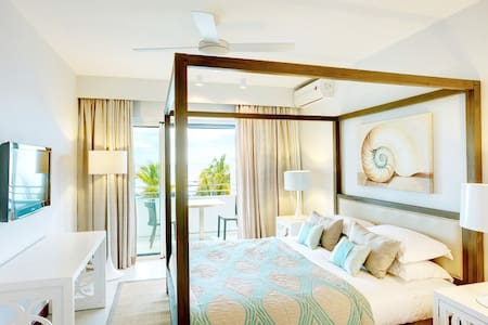 Bedroom with wonderful view