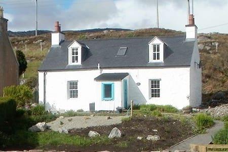 Kelpie Cottage, Tarbert, Harris - Tarbert - Hus