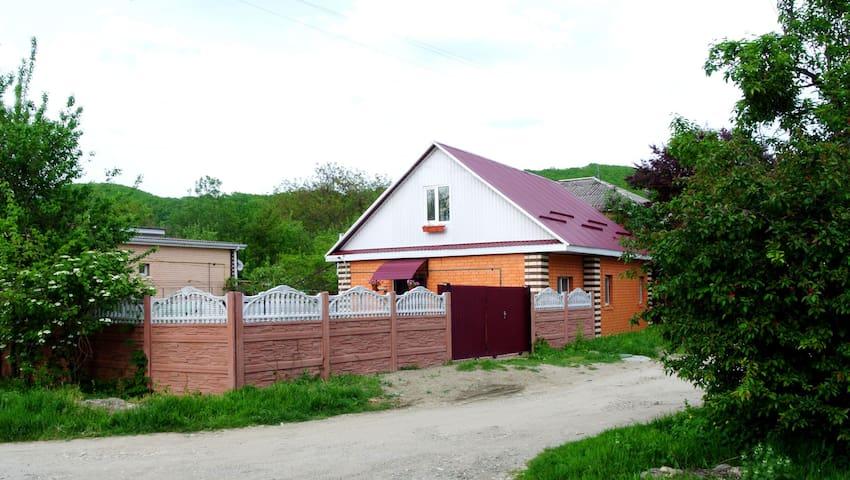 Уютный новый дом - предгорья Адыгеи - Tulskiy