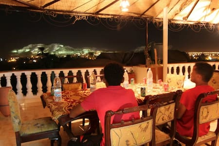 Cleopatra Hotel Luxor - 卢克索 - 住宿加早餐