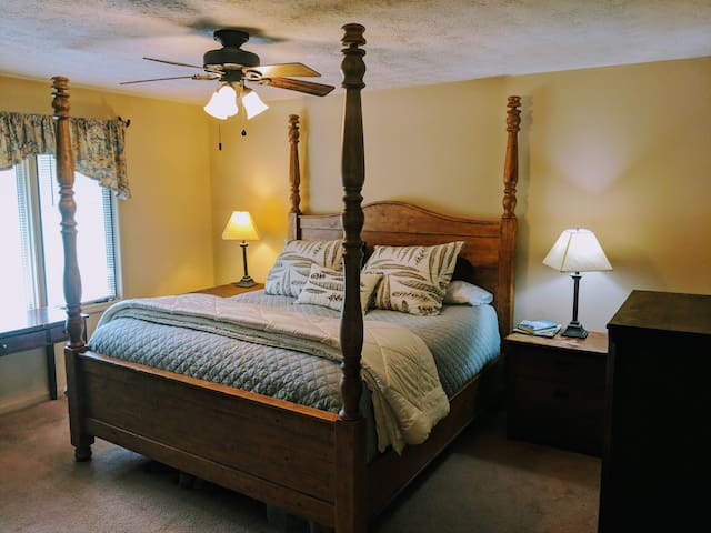 Furman / Swamp Rabbit Trail - Master Bedroom