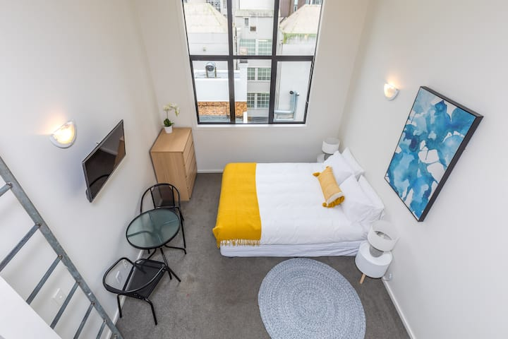 Bright Studio in the Heart of the Historical City w/ Kitchen!