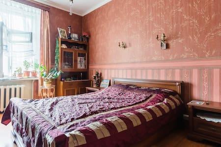 Для двоих комната в центре - Sankt-Peterburg