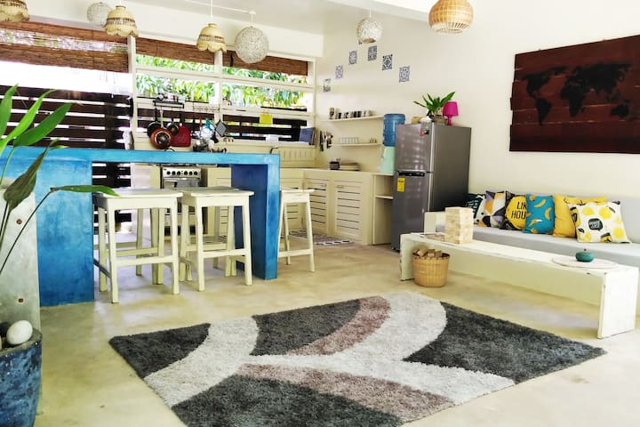 Private House in Siargao w/ Pool & Kitchen-10 pax