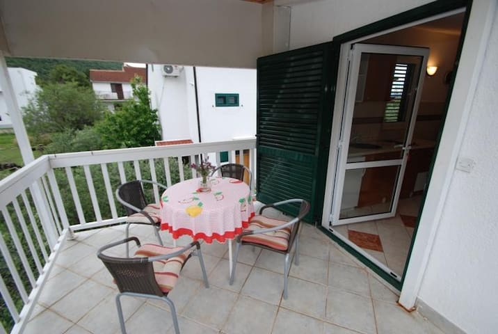 Studio flat with terrace Zaostrog (Makarska) (AS-2663-a)