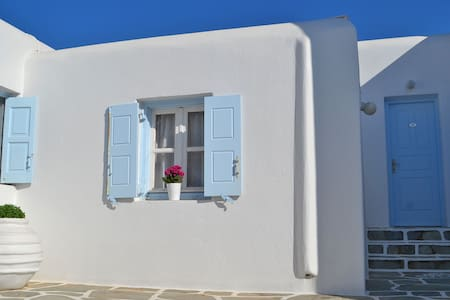 Agrari Beach Accomodation Mykonos